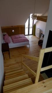 Zimmer mit Ausblick zum Hof